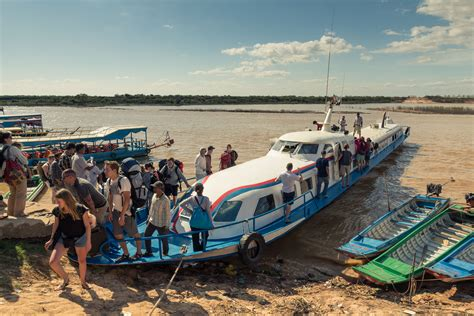 get to phnom penh and siem reap by boat - Phnom Penh Boat