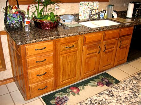 Honey Oak Kitchen Cabinets by Honey Oak Kitchen Cabinets Pull Kitchens With Expresso