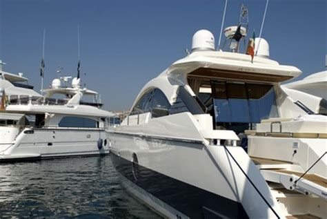sailboats you can live on for sale all about boats new used boats for sale boat lifs
