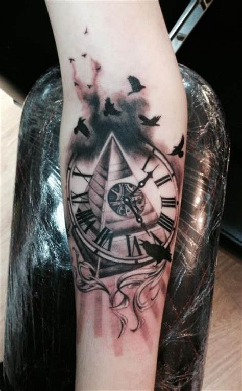 pyramid clock tattoo collection of 25 swirls and masons pyramid tattoos