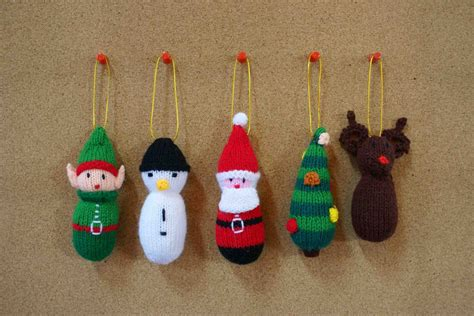 free christmas decorations to make family crafts and recipes knitted ornaments free pattern included