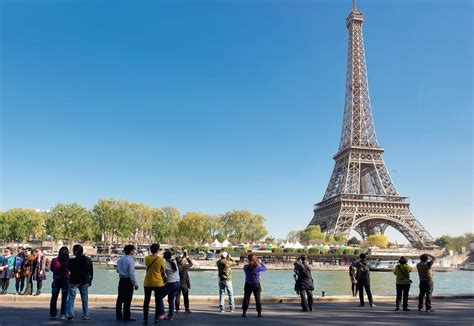 france 2018 tourist 9782067225855 what s new in paris for 2018 cheese traveller