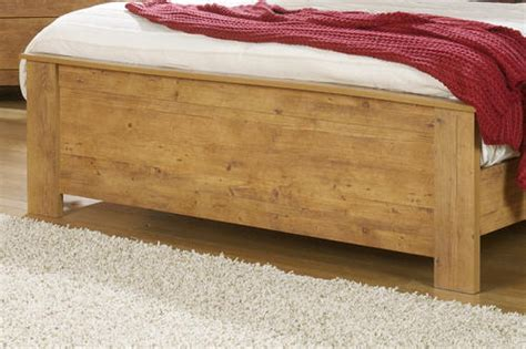 knotty pine headboard dakota 80 quot prefinished knotty pine king footboard at menards 174