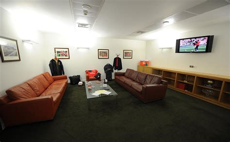 Emirates London Office | arsene wenger s office open to visitors