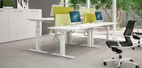scrivanie regolabili in altezza mobili ufficio scrivanie scrivanie regolabili in
