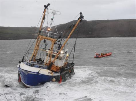 fishing boat in storm video video kinsale rnli rescue three fishermen from sinking