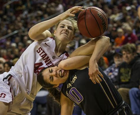 basketball record kelsey plum sets school record in washington s