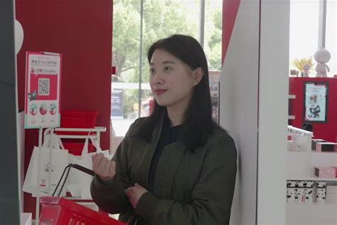 alibaba face recognition at alibaba s cashier free store a smile gets customers a