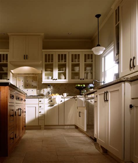 Shaker And Mullion Doors Traditional Kitchen Philadelphia Kitchen Design