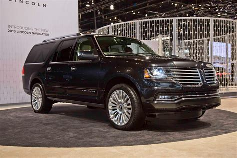 2015 Lincoln Navigator First Look Motor Trend