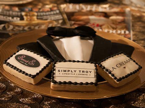 tips  hosting   award party