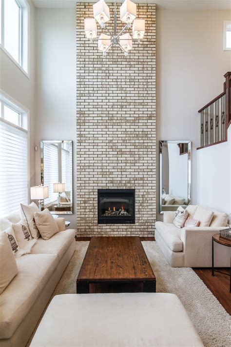 fireplaces in a rooms with a high ceilings