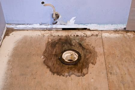 Moving a Toilet Drain Pipe: 4 Tips   DoItYourself.com