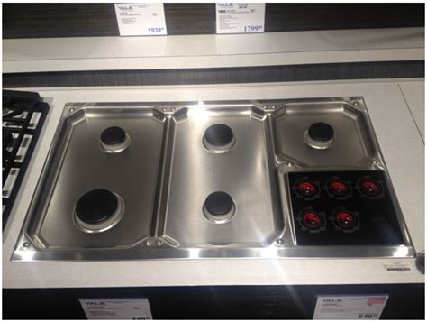 Wolf Gas Cooktop Knobs by Thermador Vs Wolf Gas Cooktops Reviews Ratings