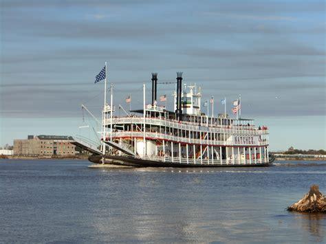 steamboat cruises cruises continue steamboat natchez