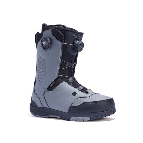 boat shoes hurt ankle snowboard boots hurt ankle bone