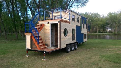 Tiny Ski Lodge On Wheels Fyi Tiny House Nation