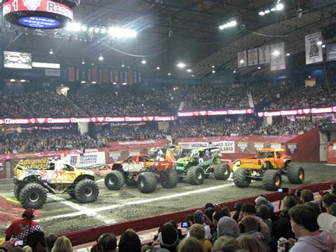 chicago monster truck show famliy fun at the monster jam monster truck show the