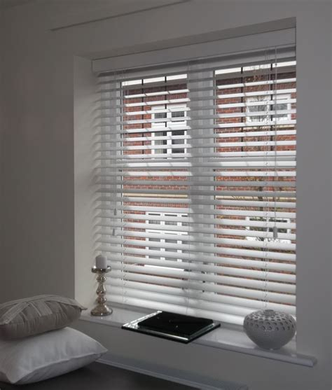 bedroom venetian blinds 10 best images about modern wooden venetian blinds on