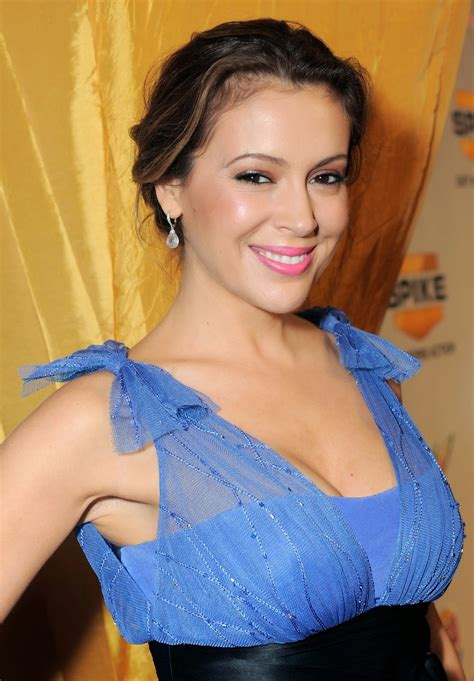 hollywood actress wallpaper alyssa milano wallpapers free download