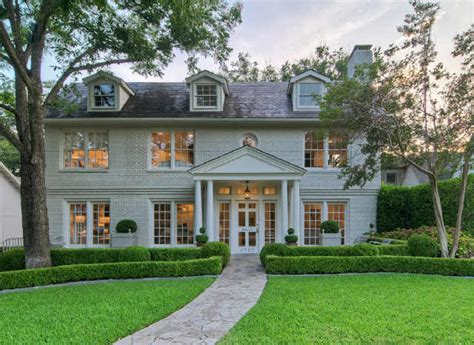 House Of Design Dallas Tx Boxwood Terrace A Dallas Designer S Home For Sale