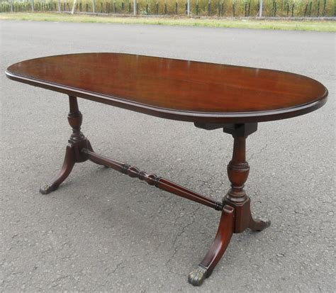 Oval Mahogany Pedestal Coffee Table By Strongbow Oval Mahogany Coffee Table