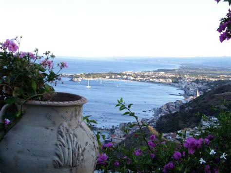 visitare giardini naxos visita guidata di mezza giornata ai giardini di naxos