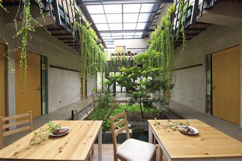 veranda house sigitkusumawijaya archdaily
