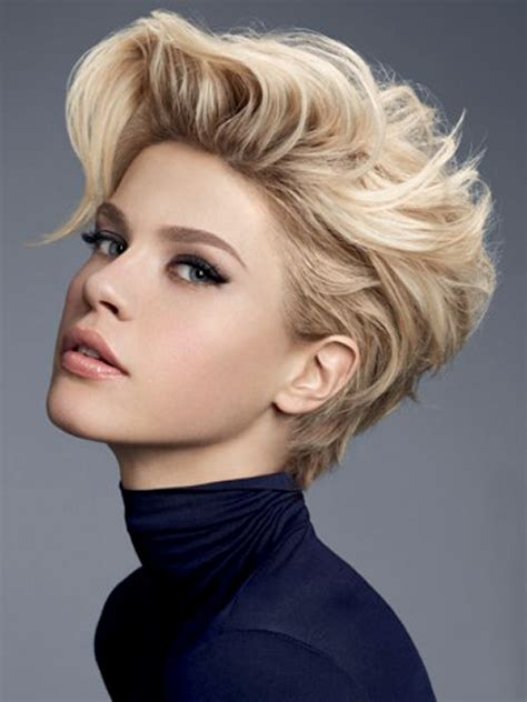 Fabulous Hairstyle Tips for Women With Short Hair   Women