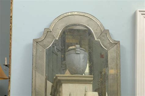 venetian chic classics classic venetian style mirror with bonnet crest for sale at 1stdibs