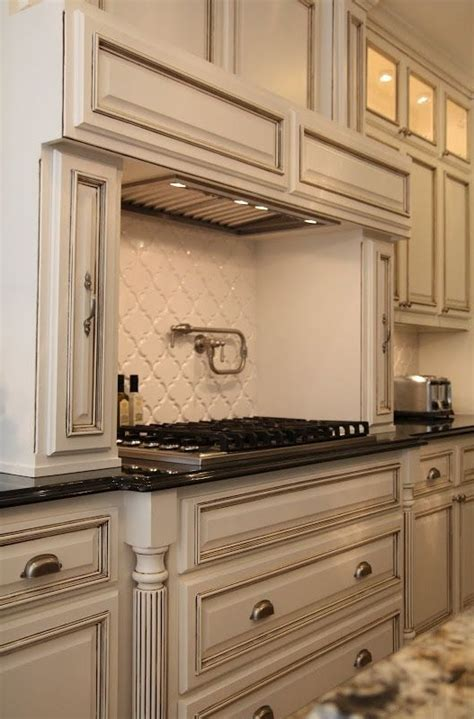 how to glaze kitchen cabinets how to glaze painted kitchen cabinets