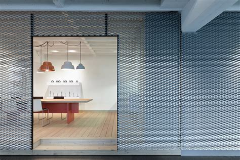 mesh interieur metal mesh 187 retail design blog