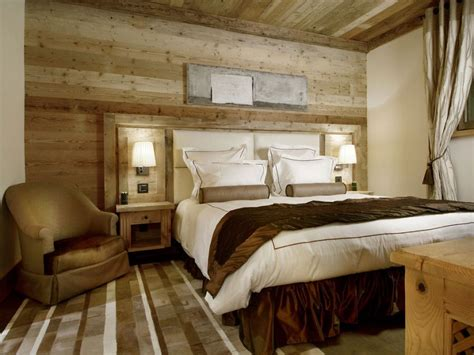 Lodge Bedroom Decorating Ideas by Chalet Pearl Ski Lodge Promises A Breathtaking In