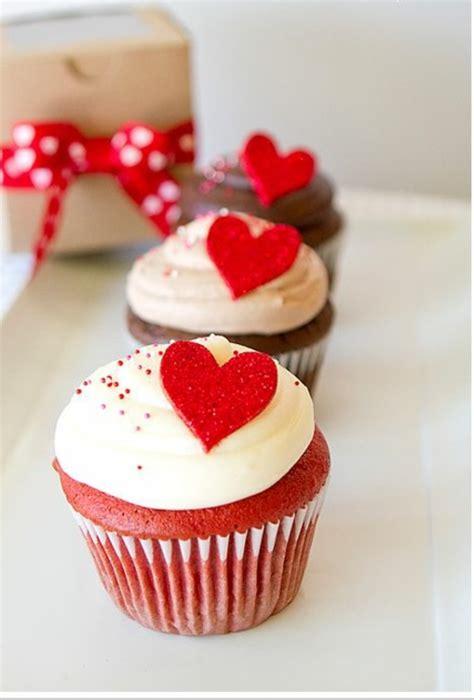 kuchen f r verliebte valentinstag geschenke f 252 r sie valentinstagsgeschenke