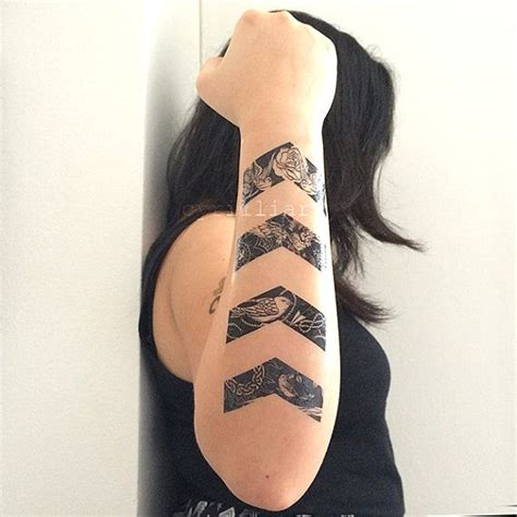 geometric tattoo underarm best 25 underarm tattoo ideas on pinterest geometric