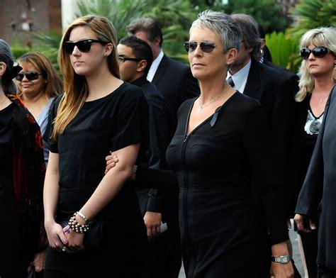 jamie lee curtis organization jamie lee curtis photos photos tony curtis funeral zimbio