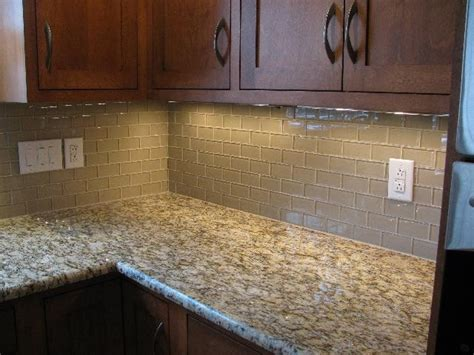 2x4 glass backsplash