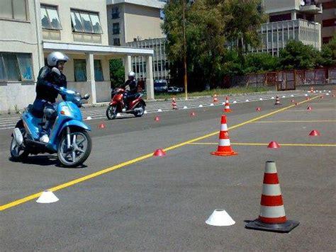 test per patentino prova pratica ciclomotore ecco come cambia il patentino