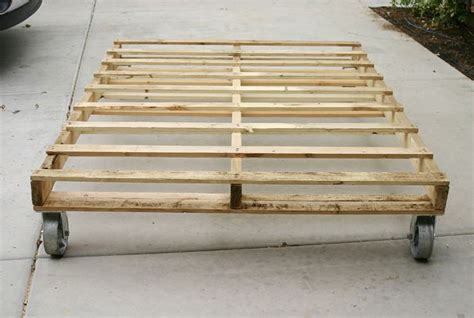 pallet bed base looks really easy diy