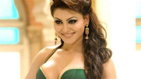 X54 Mc Set Vanya Brukat exclusive urvashi rautela to in story 4