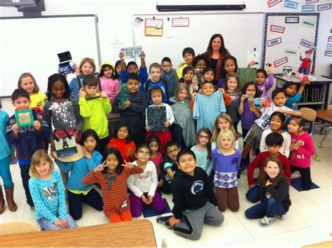 hawthorne elementary educator supports english language