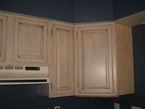glazed kitchen cabinets tips on glazing kitchen cabinets painting diy chatroom