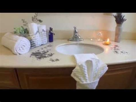 bathroom towel folding ideas 17 best ideas about folding bath towels on pinterest how