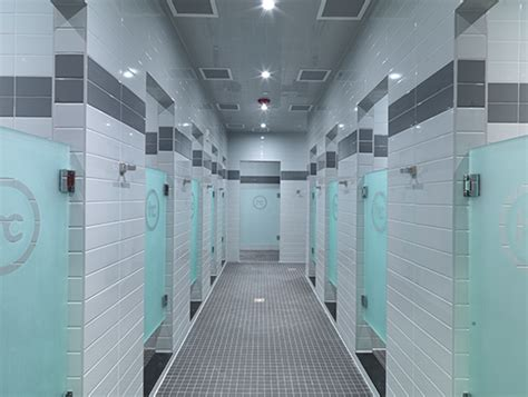 Big Locker Room by The Classpass Shower Awards What S The Best Locker Room