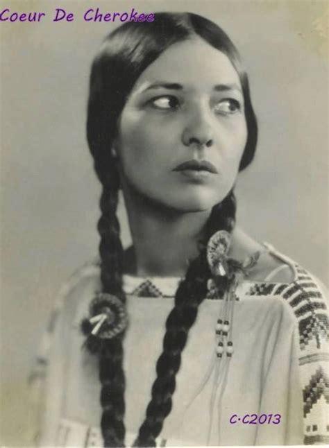 cherokee women hairstyles beautiful cherokee indian women cherokee woman native