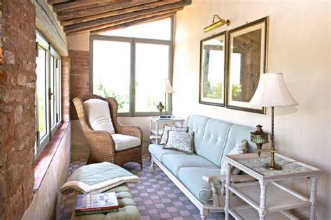 pavimento veranda ispirazione per una piccola veranda in cagna con