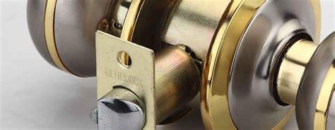 Front Door Knob Repair by Repairing And Replacing Exterior Door Locks House Repair