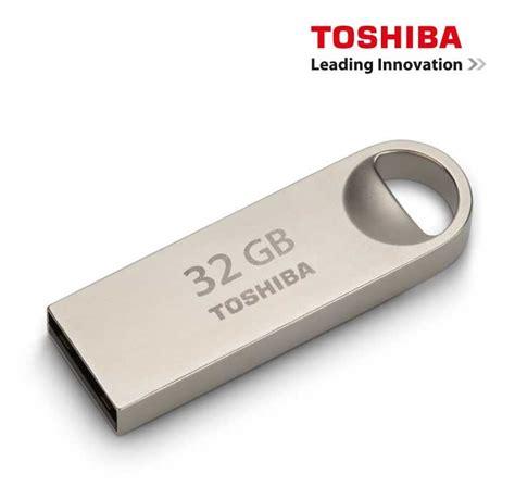Usb Toshiba 32gb memoria usb toshiba 32gb 2 0 metalica ktronix tienda