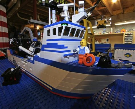 lego boat pics deadliest catch lego scene 5 pics
