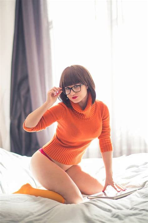 Cosplay Zoinks Echidna As Sexy Velma From Scooby Doo